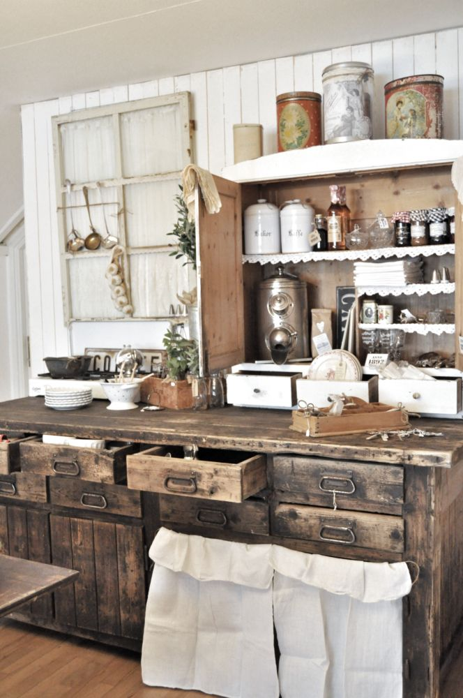 8 beautiful rustic country farmhouse decor ideas for Armoire de cuisine rustique chic