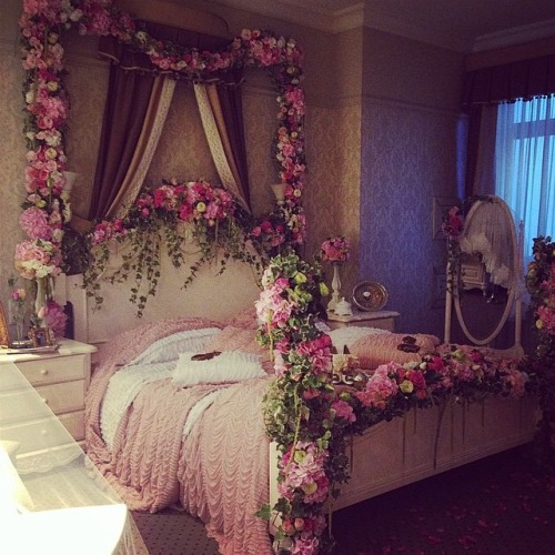 Girly Bedroom Decor Pinterest: 3 Steps To A Girly Adult Bedroom