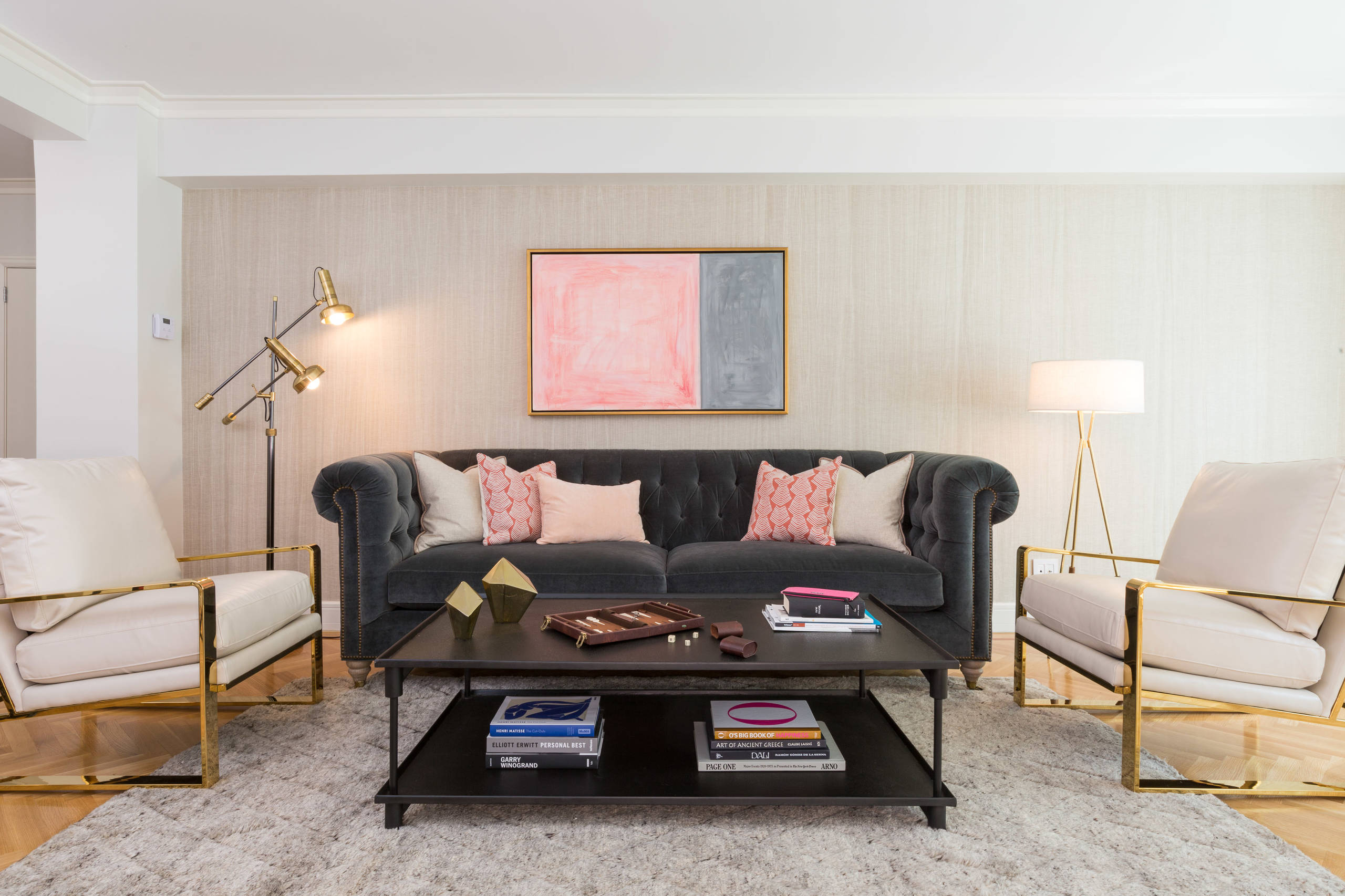 Which Type Velvet Sofa Should You Buy For Your Home