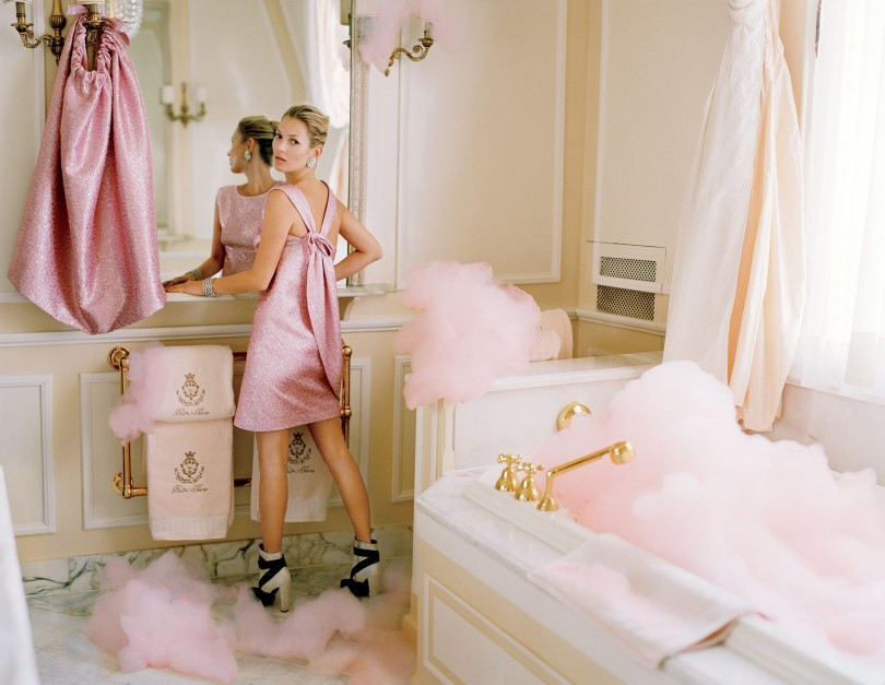 pink feminine girly washroom bathroom powder room eclectic vintage lion tub free standing gold shop room ideas coco chanel suite ritz paris home interior design kate moss celebrity home fashion