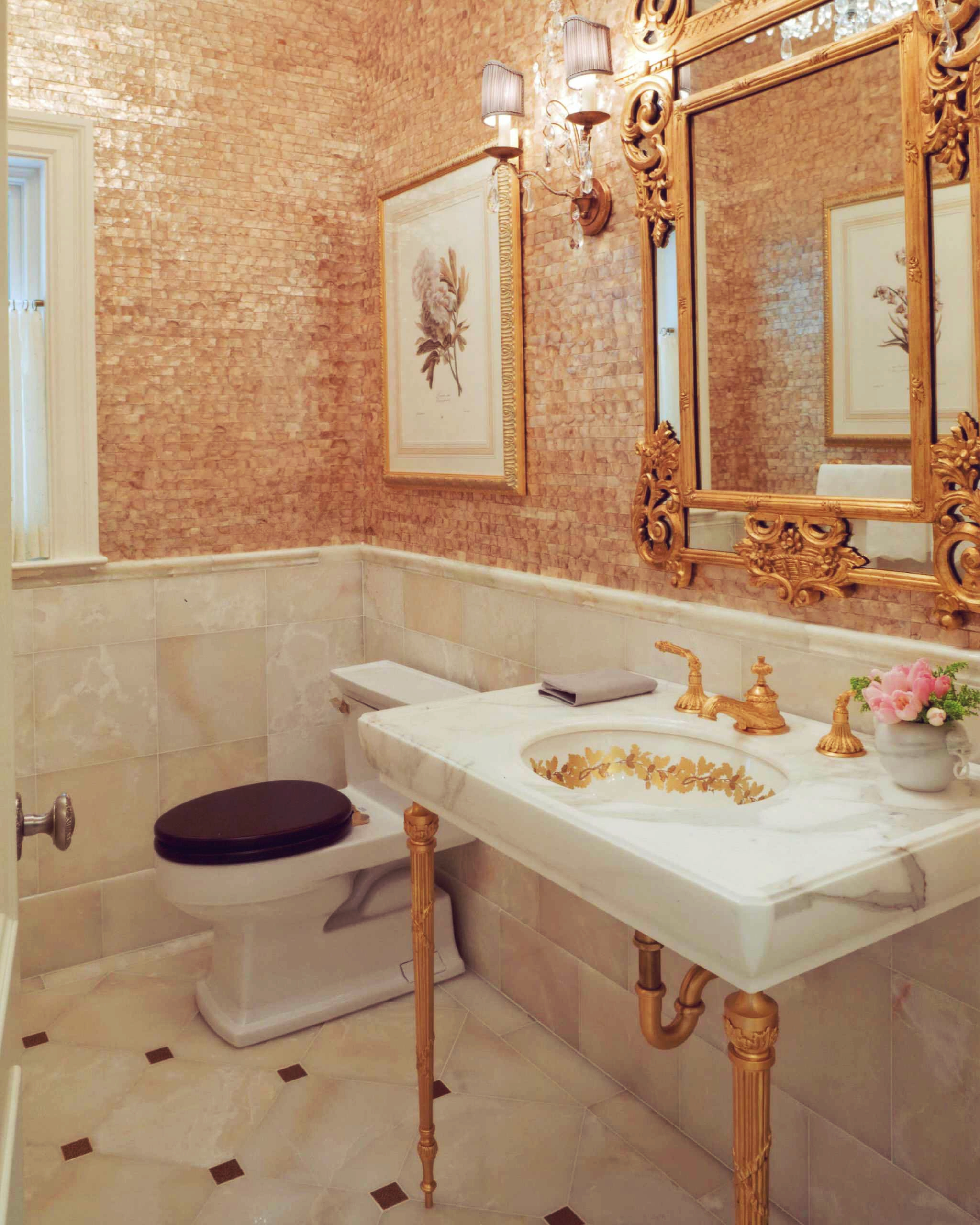 traditional-powder-roomversaillesbathroomgoldgraniteonyxvanityunder-mountedsinkplatedtilesbacksplashgiltfreestandingsinksupperlegsvanitymirrorstonewallsmarble
