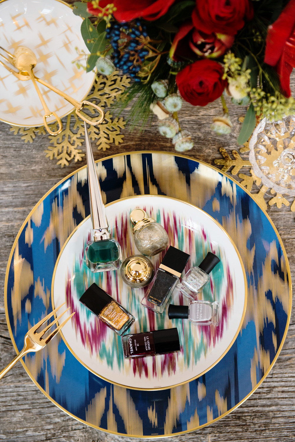 versace hermes plates knives bowls cutlery dinnerware table setting ideas for wedding bridal showers gifts how & 10 Gorgeous Table Setting Ideas + How To Set Your Table - shoproomideas