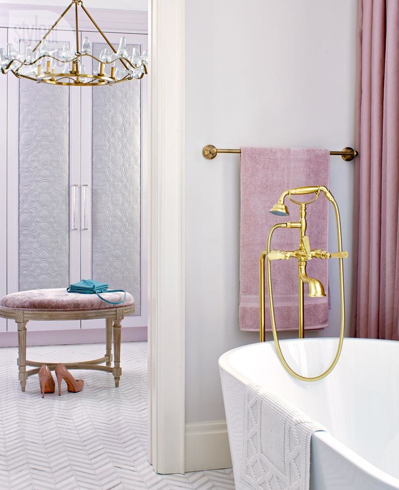 Mauve neutral pink berry pale blush pink bathroom claw bathtub victorian decor style design inspiration walk in chandelier closet shop room ideas
