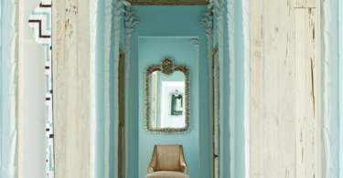 how-to-5-ways-to-decorate-a-narrow-entryway-hallway-entrance-home-decorating-ideas-tips-turquoise-beach-house-white-washed-weathered-door-floors-blue-gold-moulding