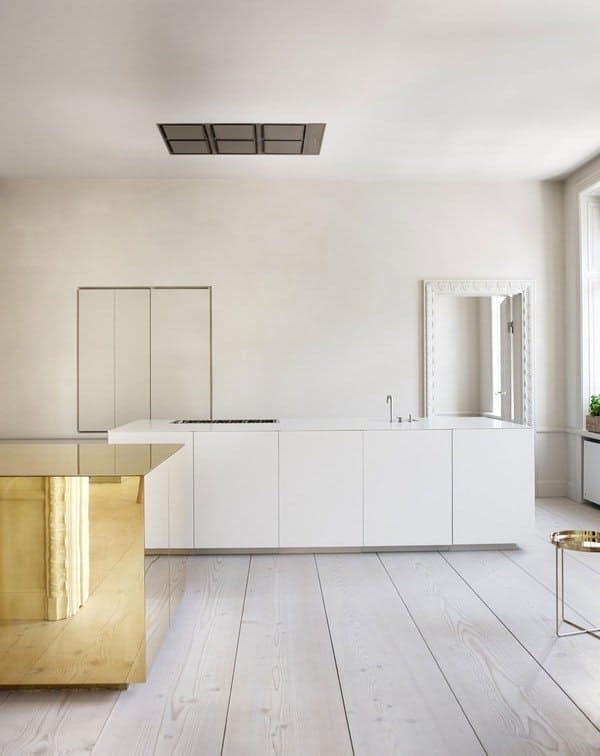 modern-kitchen-gold-countertop-hardware-lighting-brass-metal-scandinavian-nordic-swedish-backsplash-modern-golden-kitchen-cabinets-ikea