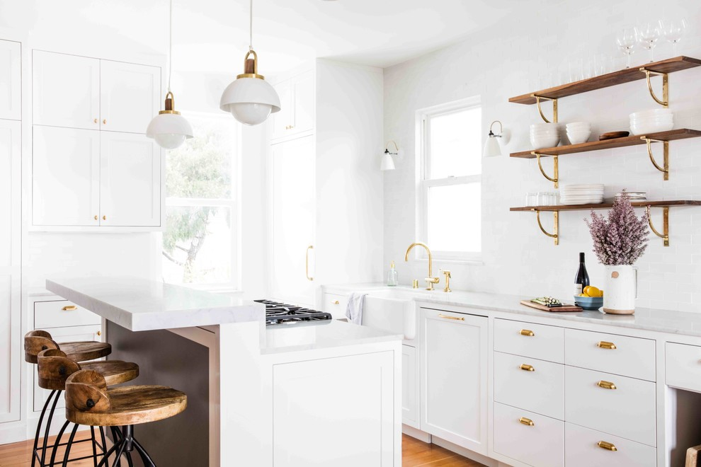 transitional-traditional-white-kitchen-gold-brass-faucet-handles-hardware-copper-scandinavian-nordic-design-style-inspiration-wood-bar-stool-all-white-sunny-bright