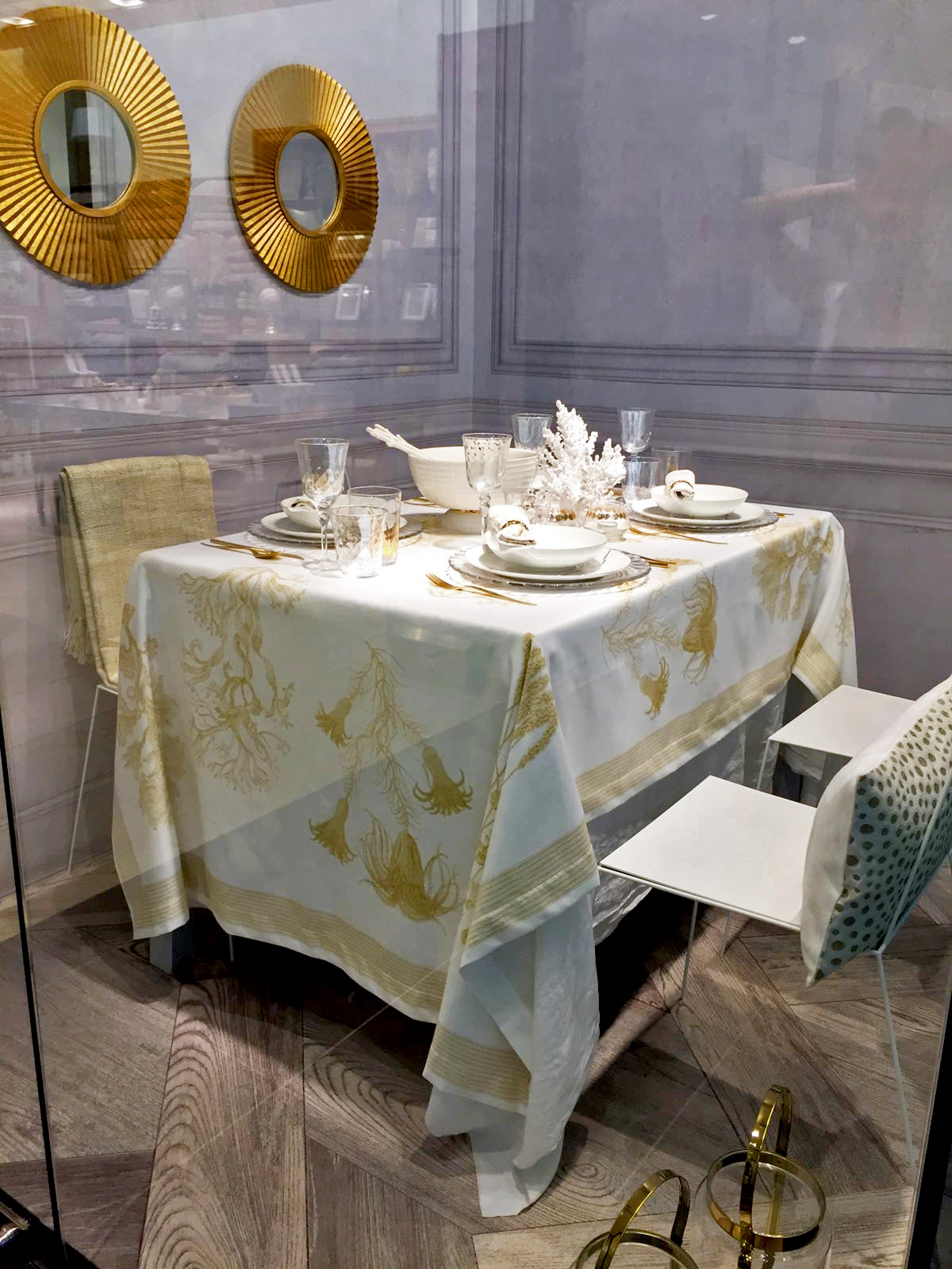 zara-home-2016-gold-coral-tablecloth-table-setting-ideas-morroccan-bohemian-french-parisian-table-regency-style-kitchen-design