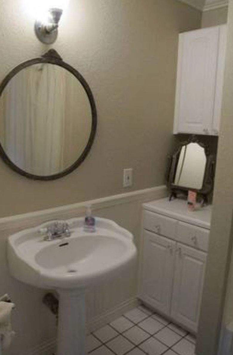 8 mind blowing small bathroom makeovers before and after for Small restroom
