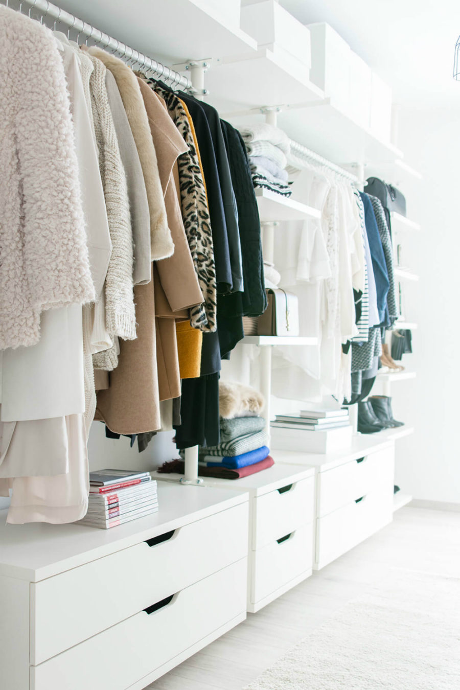 30 chic and modern open closet ideas for displaying your for How to make wardrobe closet