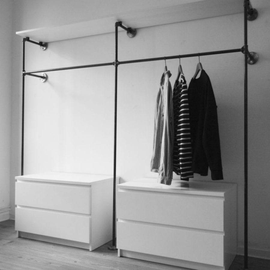30 chic and modern open closet ideas for displaying your wardrobe shoproomideas. Black Bedroom Furniture Sets. Home Design Ideas