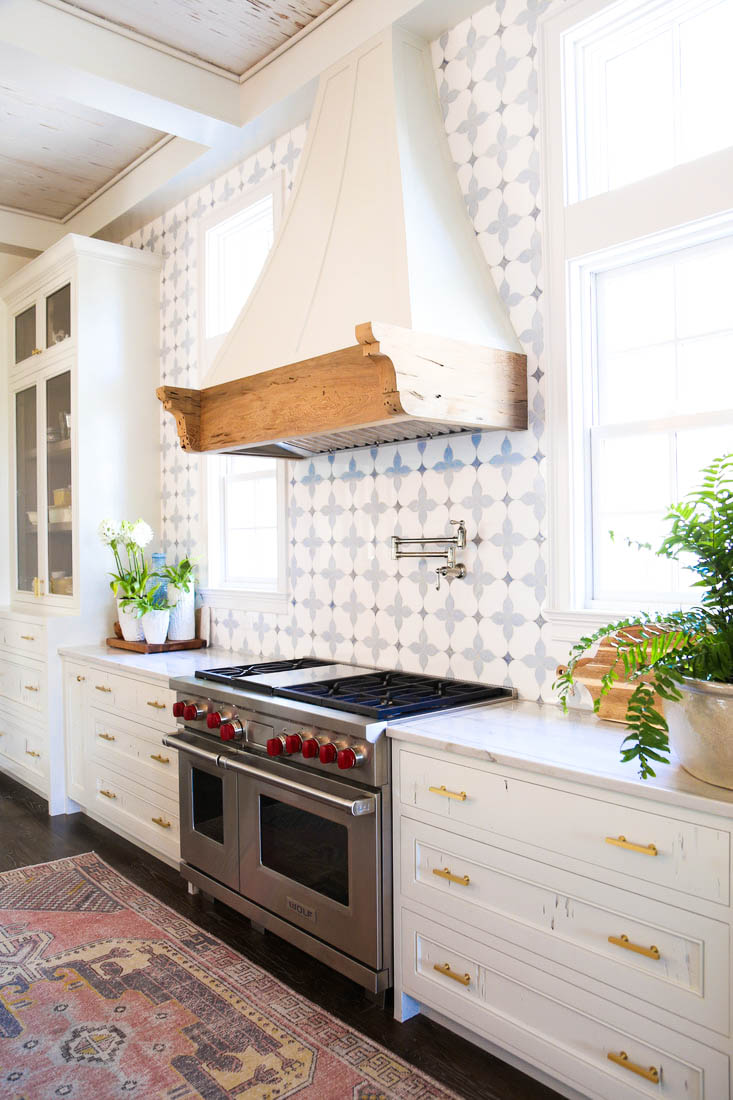 Laminate Backsplash Kitchen Tiles Rustic Farmhouse Urban Marble Countertops  Gold Hardware Cast Iron Stove Ideas Shop