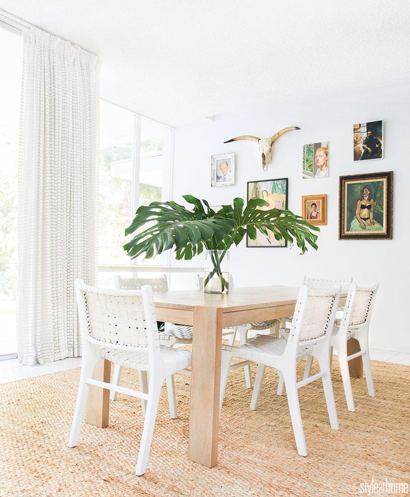 california style dining room kitchen white palm tree banana leaf monsterra rubber plant leaves decor vase sisal carpet natural vegan decor